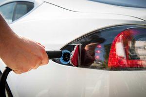 Sạc ôtô điện tốn bao nhiêu tiền?
