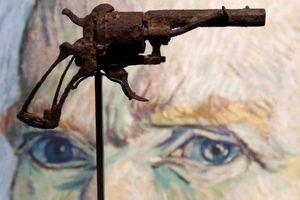 'Khẩu súng tự sát' của danh họa Van Gogh được bán với giá 182.000 USD