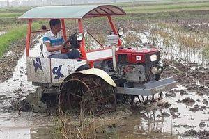 'Ăn chặn' cả trăm triệu đồng hỗ trợ máy cày cho nông dân, 2 cán bộ huyện bị kỷ luật