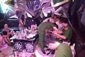 Hưng Yên: Gần 100 thanh niên sử dụng ma túy, bay lắc trong phòng karaoke
