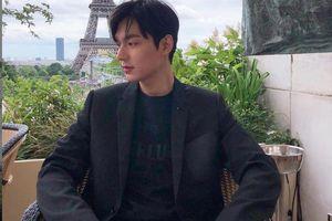 Lee Min Ho điển trai trong loạt ảnh đời thường sau gần 2 năm đi lính