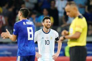 Messi ngôi sao 'cô đơn', Argentina quá may
