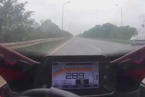 Rùng mình cảnh xe mô tô phóng gần 300km/h trên đại lộ Thăng Long