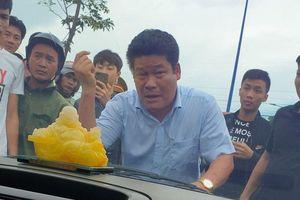 Bắt khẩn cấp đối tượng gọi giang hồ vây xe chở công an ở Đồng Nai