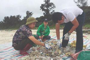 Giám sát rác thải nhựa ven biển: Những con số 'biết nói'