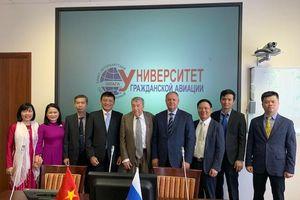VATM làm việc với Trường Đại học Hàng không Saint Petersburg về hợp tác đào tạo