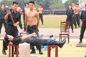 Đằng sau những màn khí công điêu luyện của Cảnh sát đặc nhiệm