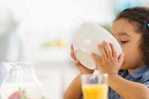 Để trẻ bắt kịp đà tăng trưởng: cân nặng không phải là yếu tố duy nhất