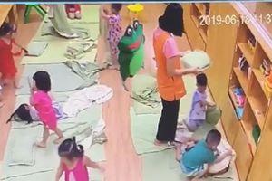 Cô giáo ở Hà Nội tát trẻ bầm dập, tụ máu môi: Phụ huynh cho con thôi học