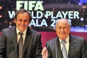 Infographic: Quan chức FIFA giúp Nga, Qatar đăng cai World Cup chung cảnh thân bại danh liệt