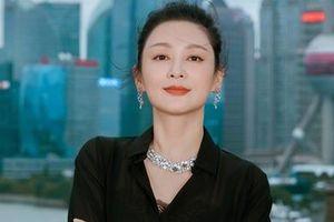 Nữ diễn viên đẹp nhất Trung Quốc trẻ trung ở tuổi 51
