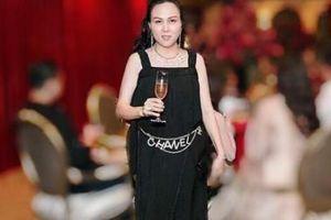 Dây xích hơn 80 triệu khiến Phượng Chanel và nhiều sao Việt mê mẩn