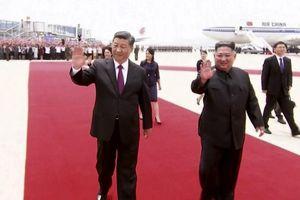 Được 250.000 người dân Triều Tiên ra đón, Chủ tịch Tập Cận Bình cảm thấy như 'người một nhà'