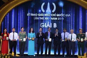 Báo nhận giải B Báo chí Quốc gia với loạt bài vạch trần liên kết 'ma'