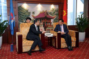 Phó Tổng giám đốc Petrovietnam Lê Mạnh Hùng tiếp Đại sứ Azerbaijan tại Việt Nam