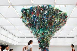 Hàng loạt tác phẩm nghệ thuật khổng lồ được biến hóa từ rác thải nhựa