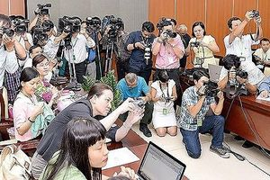 Kịp thời cung cấp thông tin cho báo chí