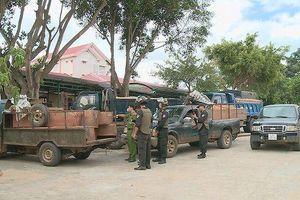 Đắk Lắk: Công an nổ súng bắt giữ 7 đối tượng vận chuyển gỗ lậu trong đêm