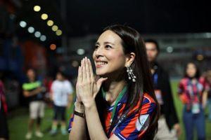 Nhan sắc nữ tỷ phú vừa chia tay ĐT Thái Lan sau World Cup nữ 2019