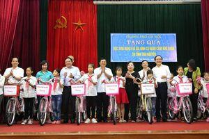 Đoàn công tác của TP Hà Nội thăm, tặng quà tại tỉnh Thái Nguyên