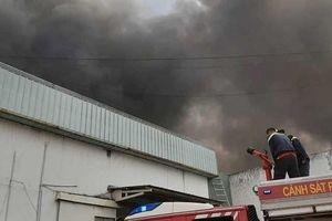 Cháy nhà xưởng rộng hàng trăm m2 tại KCN Sóng Thần 2