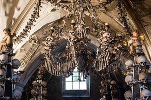 Khám phá nhà thờ độc đáo trang trí bằng 40.000 sọ người
