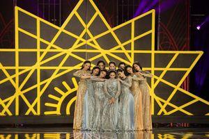 Thí sinh Chung khảo Miss World Việt Nam khoe hình thể với áo dài cách điệu