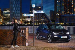 Xe ô tô điện giúp tiết kiệm 51.000 USD