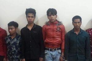 Rủ nhau đi trộm 8 con gà, nhóm thanh niên bị chủ nhà phát hiện và cái kết