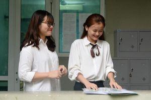 Hạ điểm chuẩn vào lớp 10 chuyên của Hà Nội