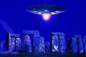 Bất ngờ phát hiện bãi đá cổ Stonehenge được xây dựng bởi người ngoài hành tinh?