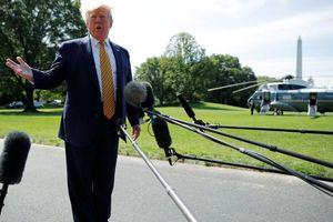 Tổng thống Trump tuyên bố tăng cường cấm vận Iran
