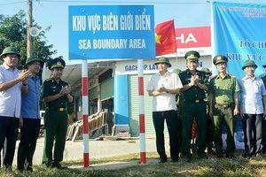 Hoàn thành cắm hệ thống biển báo khu vực biên giới biển tại Hà Tĩnh