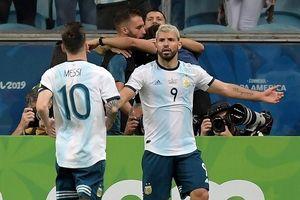 Argentina thắng trận đầu, giành luôn ngôi nhì bảng