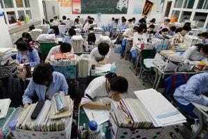 Sự khắc nghiệt ghê gớm của kỳ thi tuyển sinh đại học tại Trung Quốc