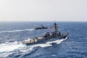Tàu khu trục Mỹ theo sát các tàu chiến Nga trên bờ biển Cuba