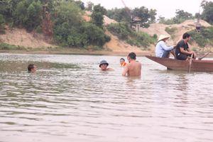 Tìm thấy thi thể cuối cùng trong vụ 3 học sinh đuối nước ở sông Lam