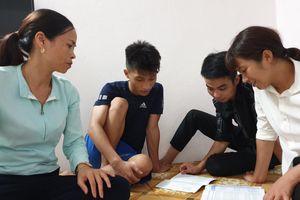 Cô Tô (Quảng Ninh): Thầy giáo mở rộng cửa nhà đón thí sinh, phụ huynh ở cùng