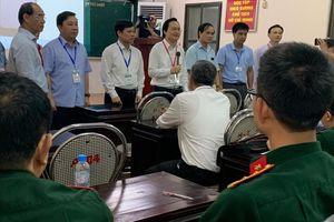 Bộ trưởng Phùng Xuân Nhạ kiểm tra công tác chuẩn bị thi THPT quốc gia trước 'giờ G'