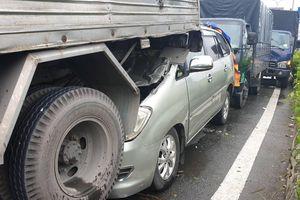 Tai nạn liên hoàn, 4 ô tô dính vào nhau trên QL1