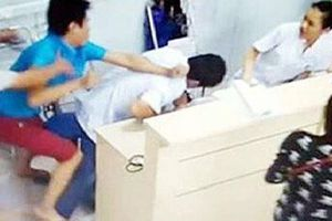 Nữ điều dưỡng viên hoảng loạn vì bị hành hung tại bệnh viện