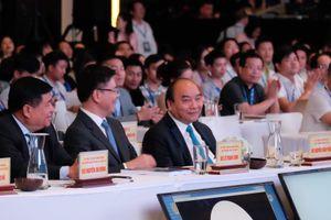 Thủ tướng Nguyễn Xuân Phúc dự Hội thảo những vấn đề pháp lý trong cách mạng 4.0