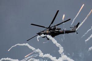 Cận cảnh trực thăng 'Thợ săn đêm' dùng vũ khí bí mật thổi bay xe bọc thép trong chớp mắt