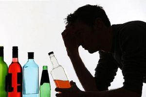 Sống chung với người nghiện rượu: Rời đi hay ở lại?