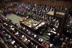 Quốc hội Anh phải sơ tán khẩn cấp do báo cháy