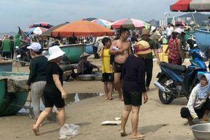 'Chợ nấu ăn' nhếch nhác trên bãi biển Vũng Tàu