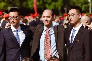 Cặp song sinh cùng đỗ cao trong kỳ thi khắc nghiệt nhất Trung Quốc