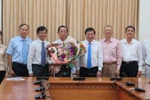 PGS Trần Hoàng Ngân làm Viện trưởng Viện Nghiên cứu phát triển TPHCM