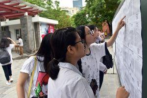 Hơn 74 nghìn thí sinh Hà Nội bước vào ngày thi đầu tiên