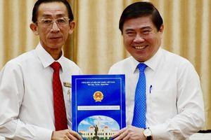 PGS-TS Trần Hoàng Ngân làm Viện trưởng Viện Nghiên cứu Phát triển TPHCM